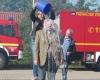 Hier lässt sich Henstedt-Ulzburgs Bürgervorsteher einen Kübel Gefrierwasser über den Kopf kippen!