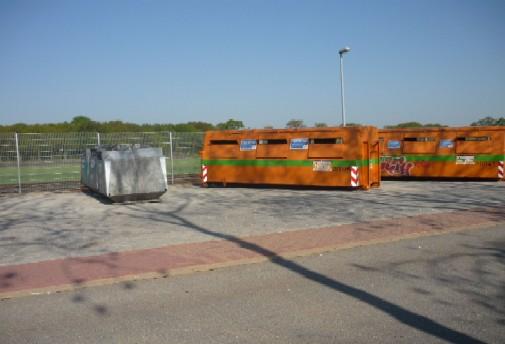 Müllcontainer am Bahnhof Ulzburg-Süd