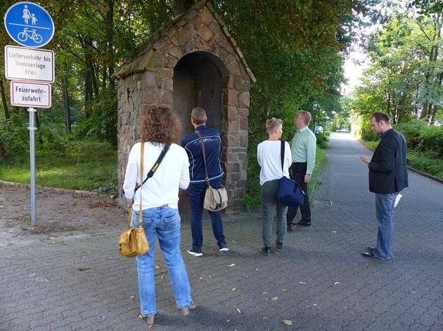 Das Wachhäuschen am Bürgerpark soll lt. Gemeindearchivar zwischen 1934 und 1938 gebaut worden sein