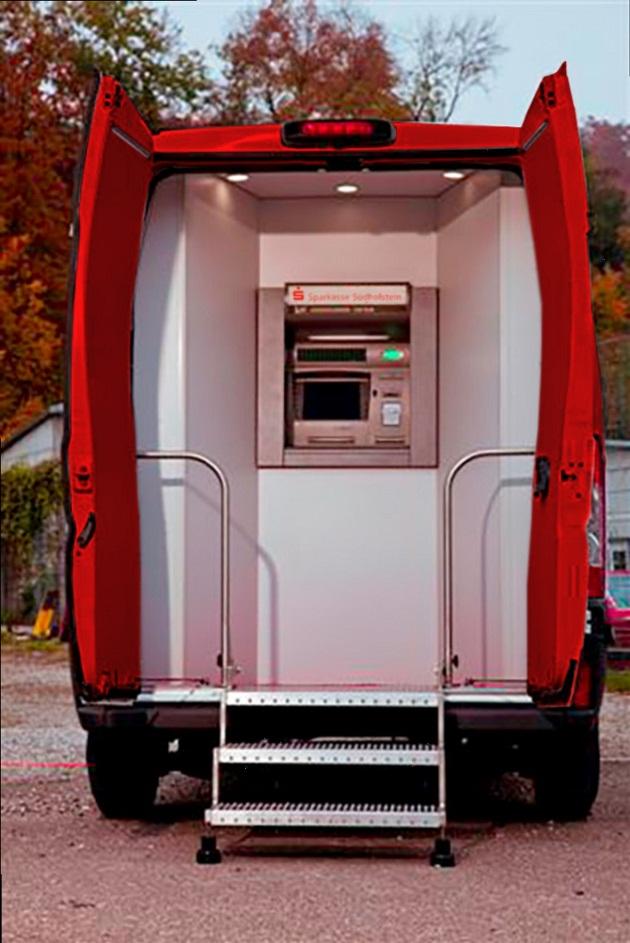 Eher mobiler Geldautomat als Filiale - der Zasterlaster. Foto: Sparkasse