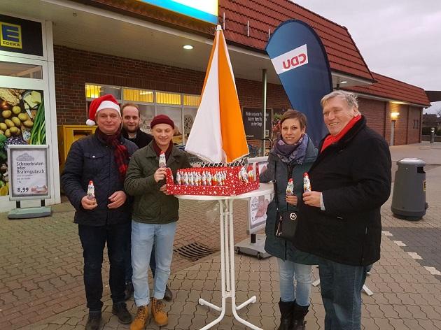 CDU-Parteigänger heute vor Edeka