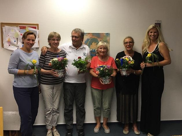 Auf dem Foto von links nach rechts: Jessica Harms, Heidi Dick, Helmut Humke, Gudrun Kirchhoff, Ilonka Gieb und Sylvie Manke