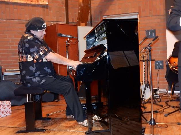 """Als """"Special Guest"""" trat der Blues-Pianist Christian Willisohn aus München auf"""