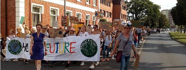 Protestzug am Montag auf der Hamburger Straße